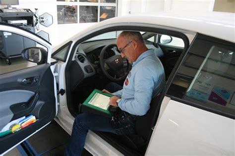 wartung auto reparatur und wartung autos und caravans