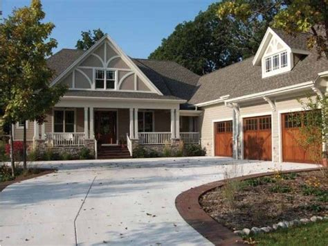 craftsman house plans with porch 25 best ideas about l shaped house on pinterest