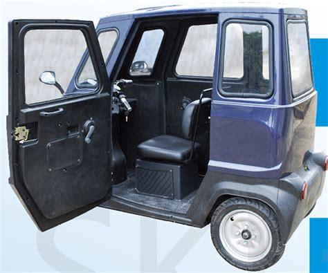 siege electrique voiture trois roues deux si 232 ges de voiture 233 lectrique avec auvent