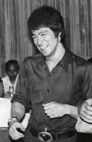 bruce lee full biography 1019 best bruce lee jeet kune do images on pinterest