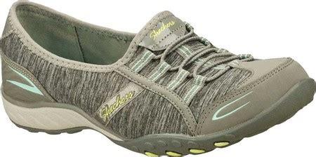 Sepatu Skechers Relaxed Fit 11 sepatu santai wanita untuk wanita dengan gaya casual