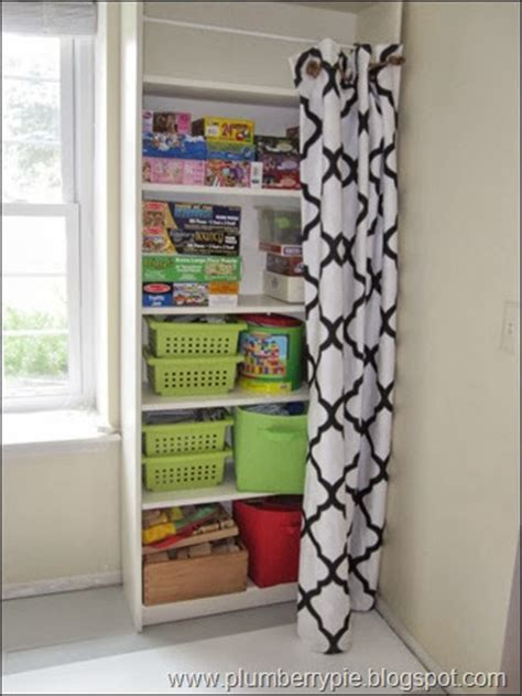 clever ways  hide clutter   home