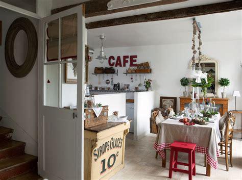 cuisine style brocante d 233 coration int 233 rieure visitez cette maison remplie d
