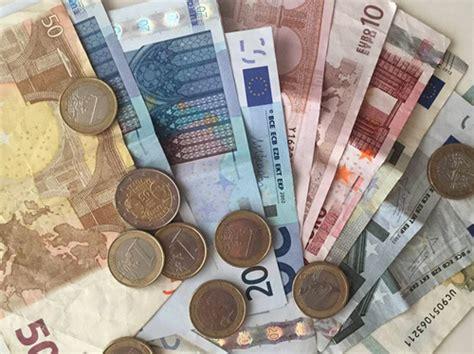 cool stuff  paris money  euros watching