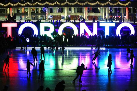 new year in toronto 2016 happy new year toronto thousands greet 2016 at nathan