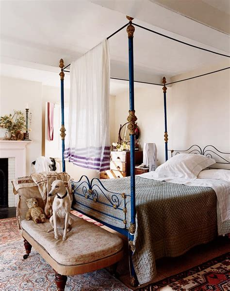 vogue bedroom ideas 25 dreamy bedrooms with canopy beds you ll love