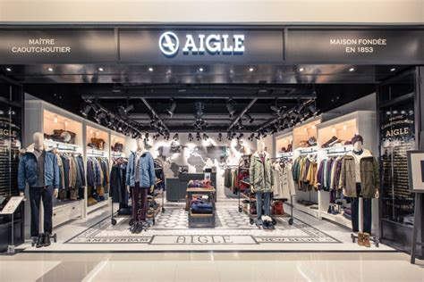 Home Design Store Hong Kong by Aigle Globetrotter Store Hong Kong 187 Retail Design Blog