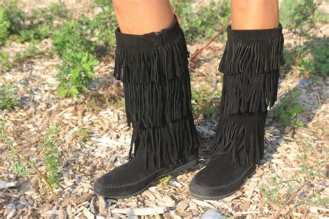 rack room shoes boots falling for fringe boots from rack room shoes momtrendsmomtrends