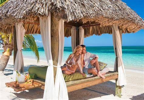 Couples Jamaica Montego Bay You Should Choose A Sandals Resort For Your Next