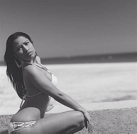 nicki minaj shows off her hot bod as she shows off her cypressghana com photos nicki minaj shows off hot bikini