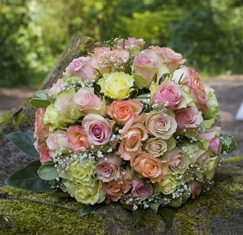 big wedding bouquets big wedding bouquet with small flowers in different colors png