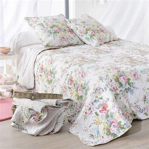couvre canapé pas cher boutis et taies d oreiller 230 x 250 cm tricia blanc
