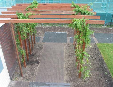 Gartenmöbel Metall Holz by Kb Jpeg Garten Ideen Pergola Metall Terrassendielen Holz