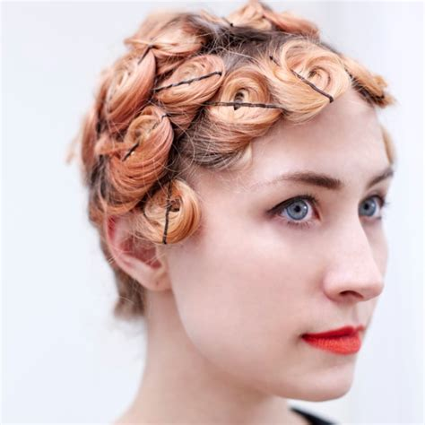 how do u do worm curls on an adro amer pin curls www pixshark com images galleries with a bite