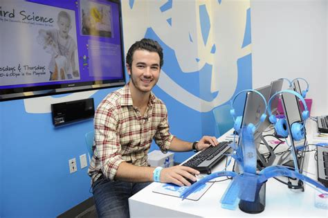 ronald mcdonald house nyc kevin jonas pictures aol unveils media room at ronald mcdonald house new york with