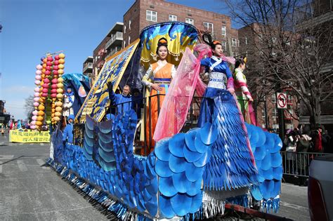 new year parade flushing 2016 new year parade in flushing brings community