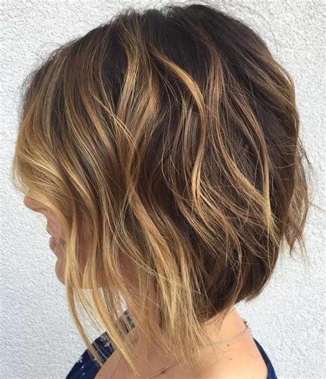 magnifiques carrees courtes coiffure simple  facile