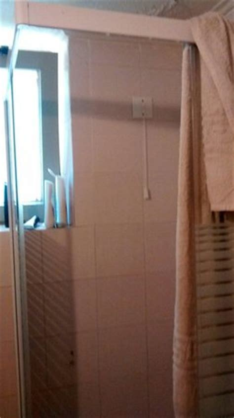 Shower Without Door Or Curtain by Shower Without A Door Or Curtain Picture Of Hotel