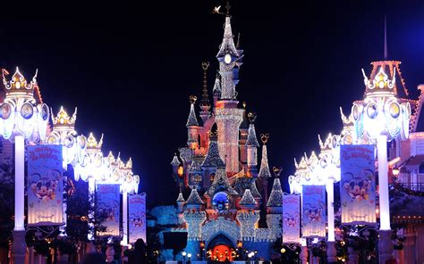 wallpaper christmas in paris disneyland vacations disneyland fantasy christmas