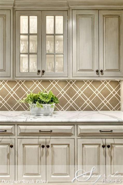 wallpaper that looks like tile backsplash tiled backsplash that looks like wallpaper stylish
