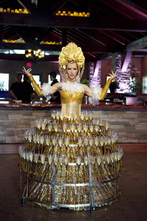 Serving At Your Wedding by Creative Ways To Serve Chagne At Your Wedding