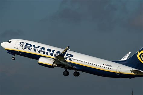 ryanair retracts plans to offer low cost flights between europe and the u s