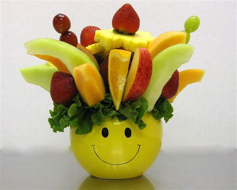 edible arrangements how to make a do it yourself edible fruit arrangement