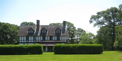 Ck Mansion louis ck just bought this great shelter island ny cottage but there s a rumor about it