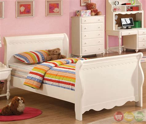 white princess bedroom set adriana princess white sleigh bedroom set with molding motif cm7617sl