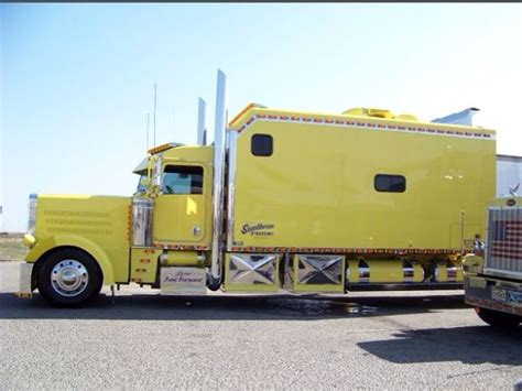 Semi Trucks With Large Sleepers by 74 Best Images About Big Sleeper Trucks On Semi Trucks Peterbilt 379 And Trucks