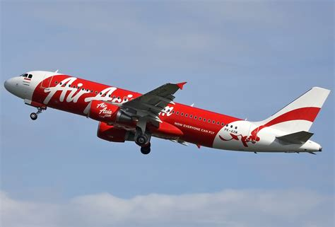 sejarah penerbangan indonesia air plane pings detected in search for air asia flight 8501