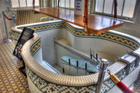hot springs bath houses file gfp arkansas hot springs bathtub of bathhouse jpg wikimedia commons