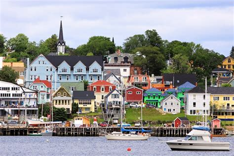 Canadian Homes by Historic Lunenburg And Mahone Bay A Visitor S Guide