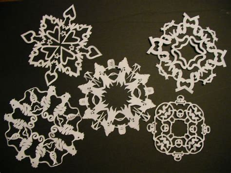 How To Make Patterns On Paper - paper snowflakes