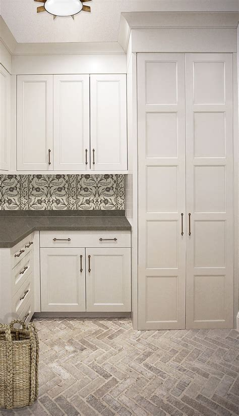 beautiful laundry room tile design ideas 22 onechitecture