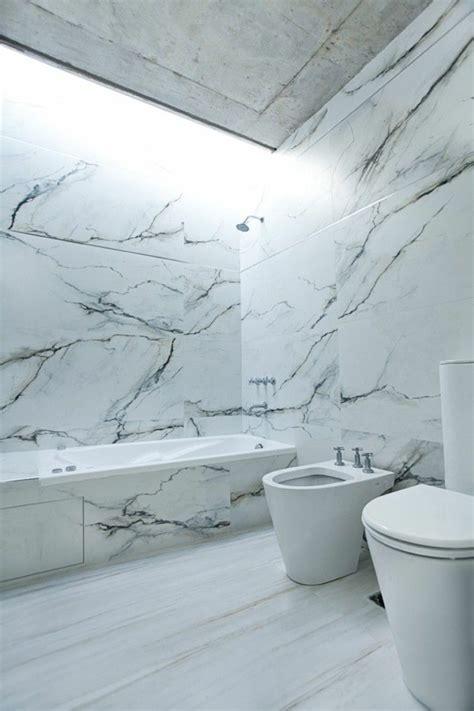 Beaucoup d'idées en photos pour la salle de bain en marbre.