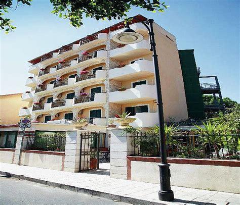 villa giardini naxos villa it 225 lie ck fischer