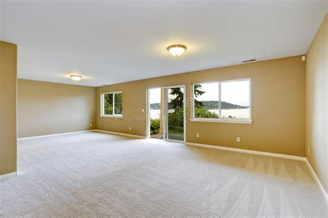 spacious family room  clean carpet floor  exit