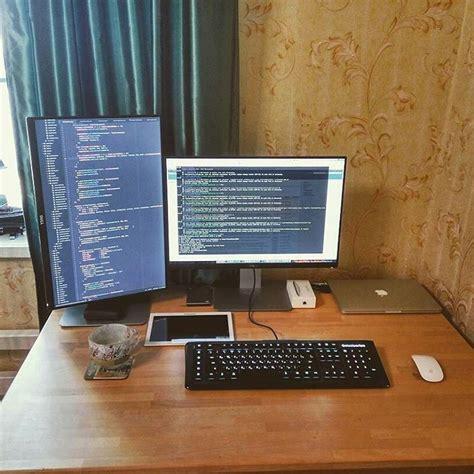Programmer Desk Setup S Dmitrenko New Home Office Setup Coding Codingpics Worldcode Javascript Programming