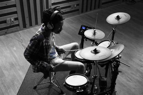 roland td  review  drummers verdict  years