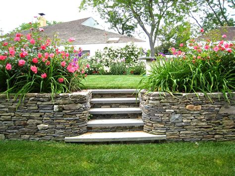 small backyard with hill landscaping ideas saomc co