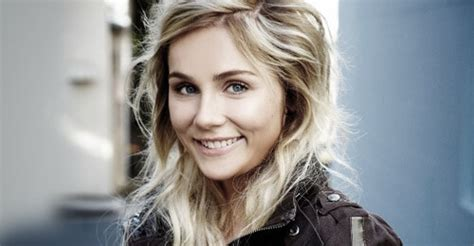 Ready Resumes Wollongong by From Australia To Nashville Cm Interviews Clare Bowen
