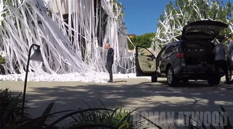 howie mandel house howie mandel s home falls victim to epic toilet paper prank ny daily news
