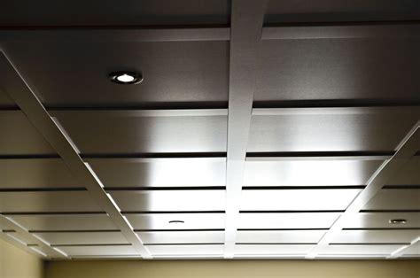 Ceiling Plafond by Plafond Suspendu Embassy Caf 233 Plafond Embassy