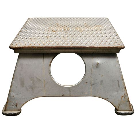 Railroad Step Stool by American Early 20th C Pullman Passenger Step Stool At 1stdibs