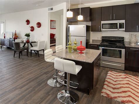 Eaglewood Lofts   Luxury Apartments with the Best