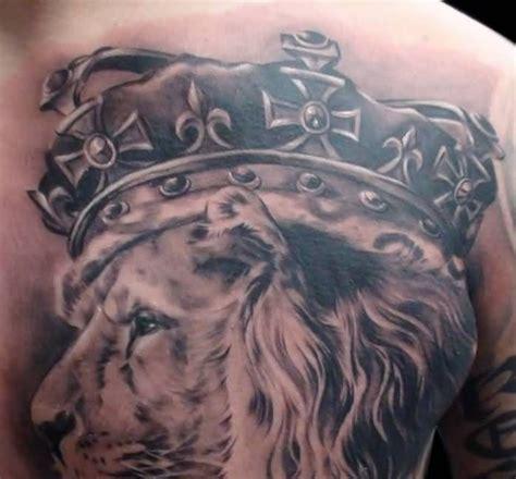 lion king tattoo tattooshunter com crown tattoos tattooshunter king chest tattoos