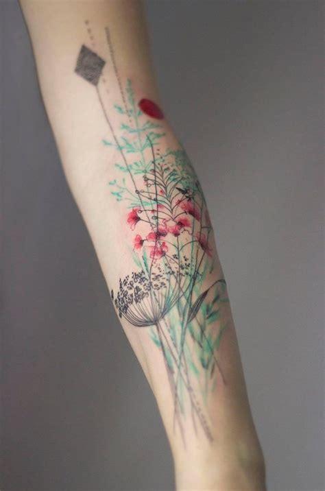 minimalist wildflower tattoo best 25 minimalist floral tattoo ideas on pinterest