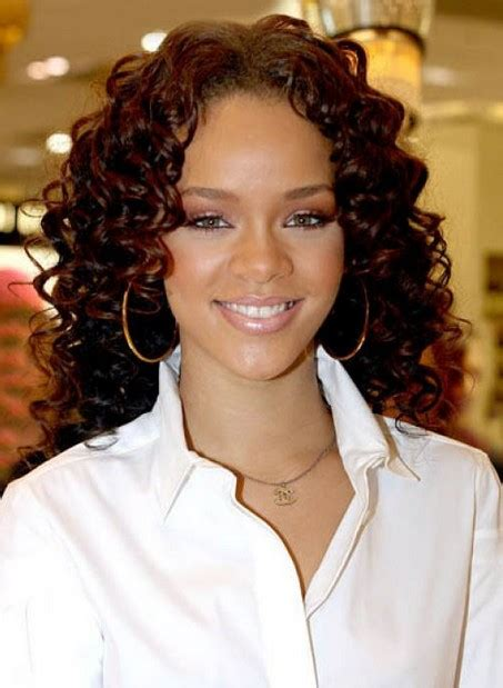 naturally curly hairstyles for women medium curly