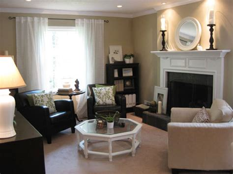 Small Living Room Ideas With Fireplace by Decorating Ideas For Small Living Rooms Pictures With